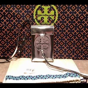 Tory Burch Bags - Tory Burch Miller Metallic Cellphone Crossbody Bag